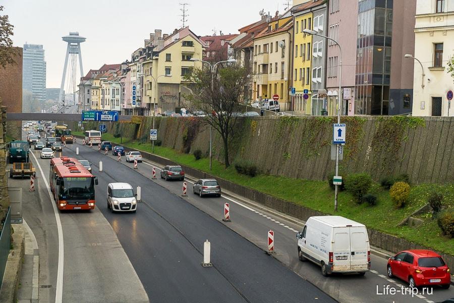 Улица в Братиславе, ведущая к мосту СНП