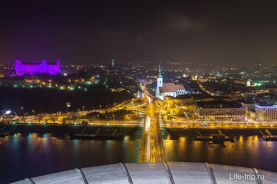 Вид в сторону Старого города и Братиславского града