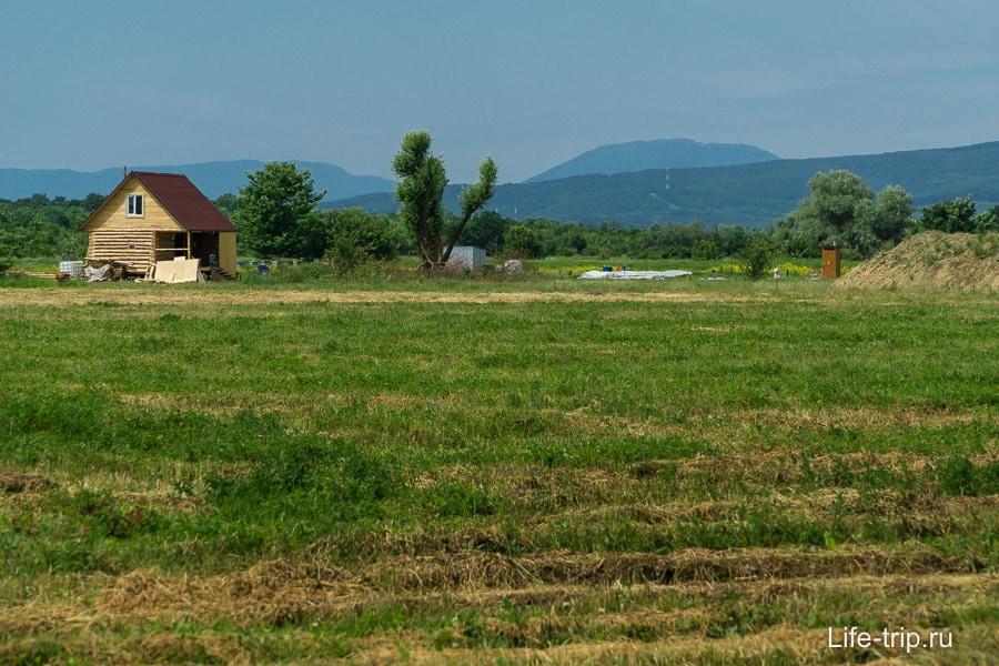 Местность в экопоселении Здравое