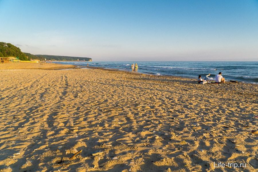 Пляж кемпинга Радужный в Пляхо