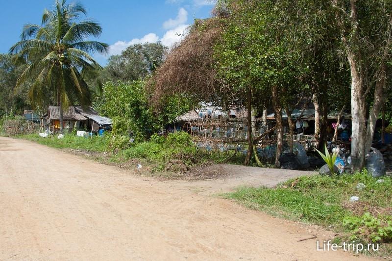 И мимо тайского поселения рыбаков