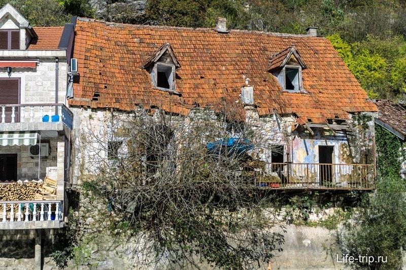 Где-нибудь в горах есть покосившиеся дома