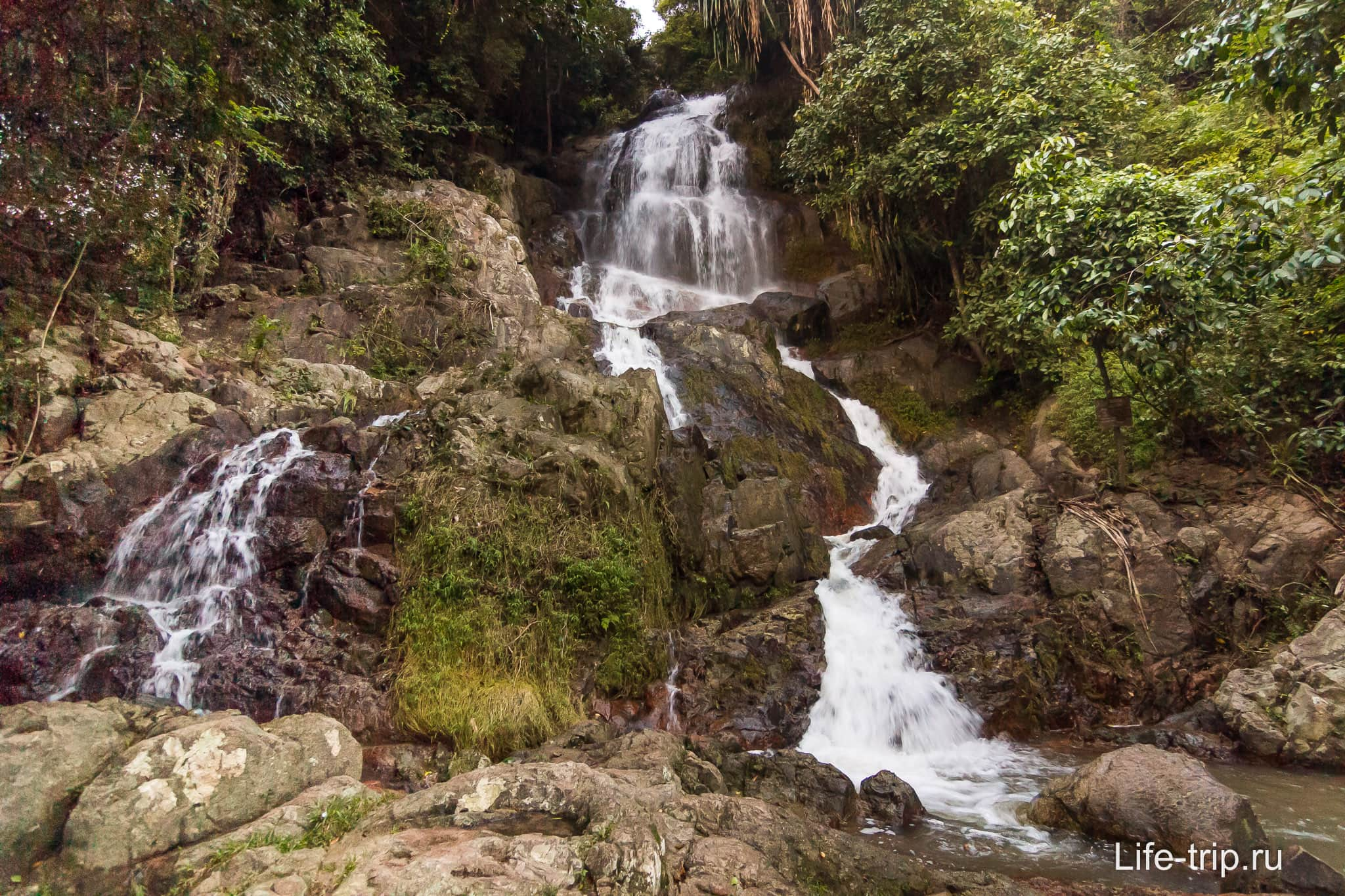 Водопад Намуанг 2