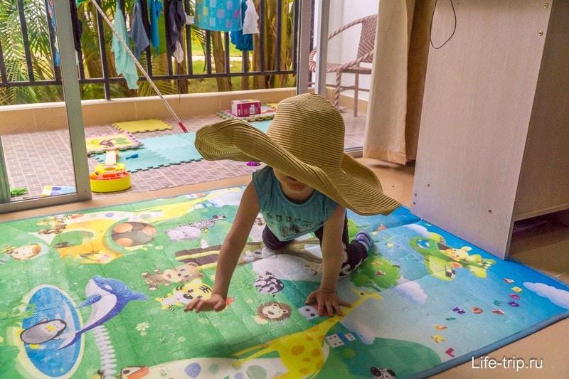 Мягкий коврик для ребенка