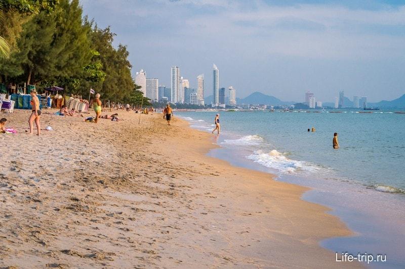 Один из лучших в Паттайе пляжей - Донгтан