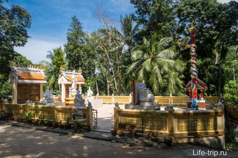Ват Паа Санг Там на Пангане