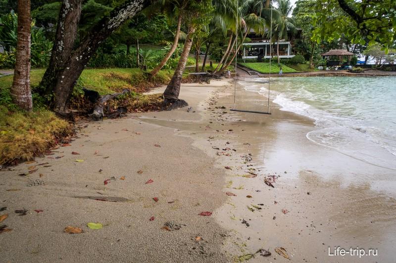 Можно сказать, что данный отель на Ко Чанге с собственным пляжем
