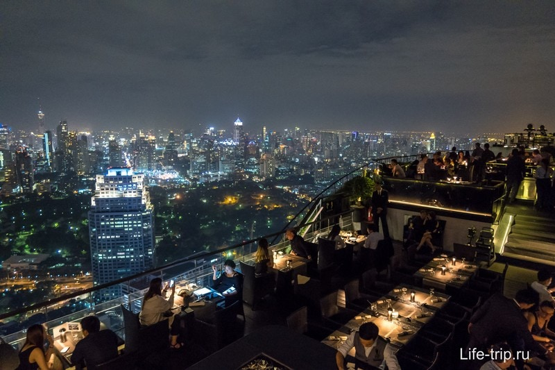 Ресторан с видами на Бангкок