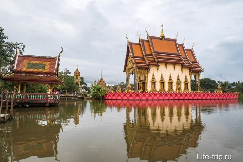 Центральное строение комплекса - храм Плай Лаем