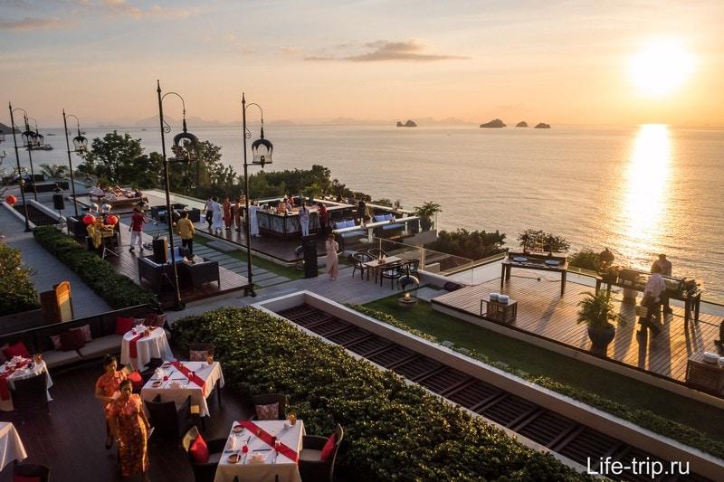 Air Bar в отеле InterContinental - лучшее место для встречи закатов на Самуи