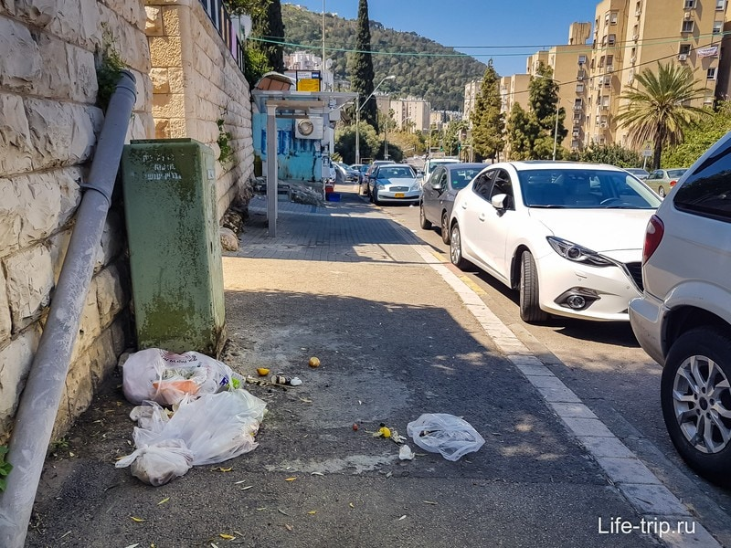 Муссор на улице в Хайфе, район Кирьят Элиэзер