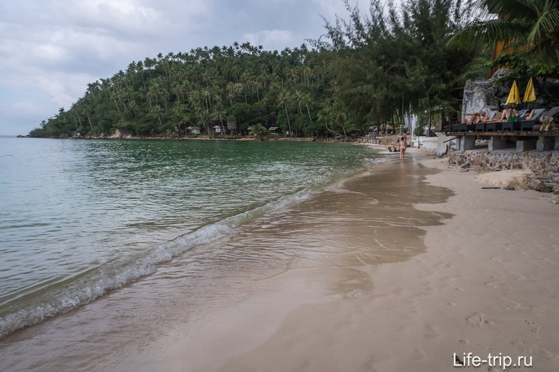 Правая половина пляжа Хад Салат