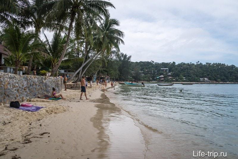 Прошел на левую часть пляжа