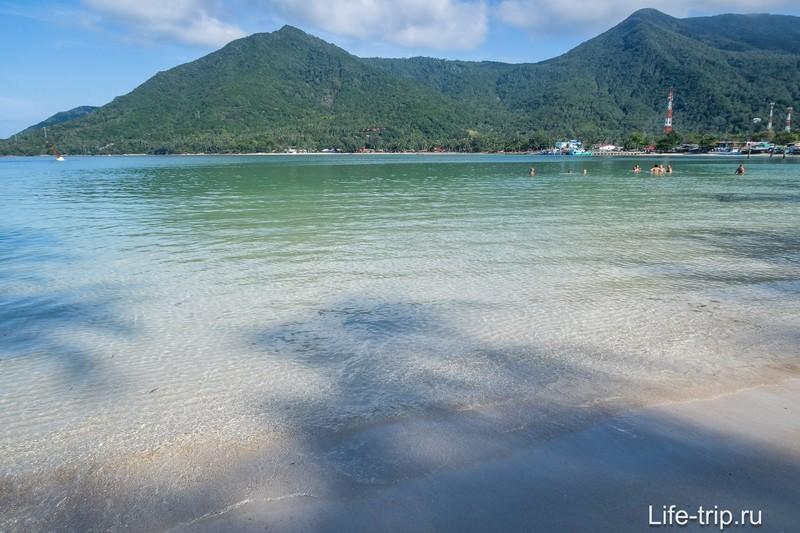 Море мелкое, красивое, чистое дно.