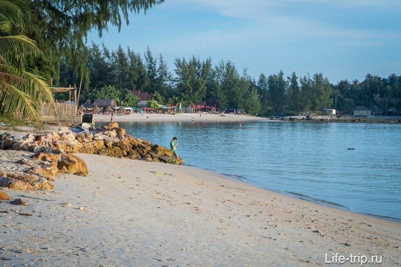 Пройти до Шритану по берегу будет сложно из-за гряды камней вдалеке