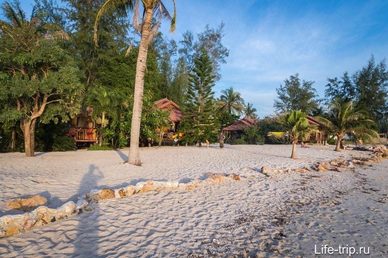 Эта часть пляжа Ао Ниад называется Зен Бич