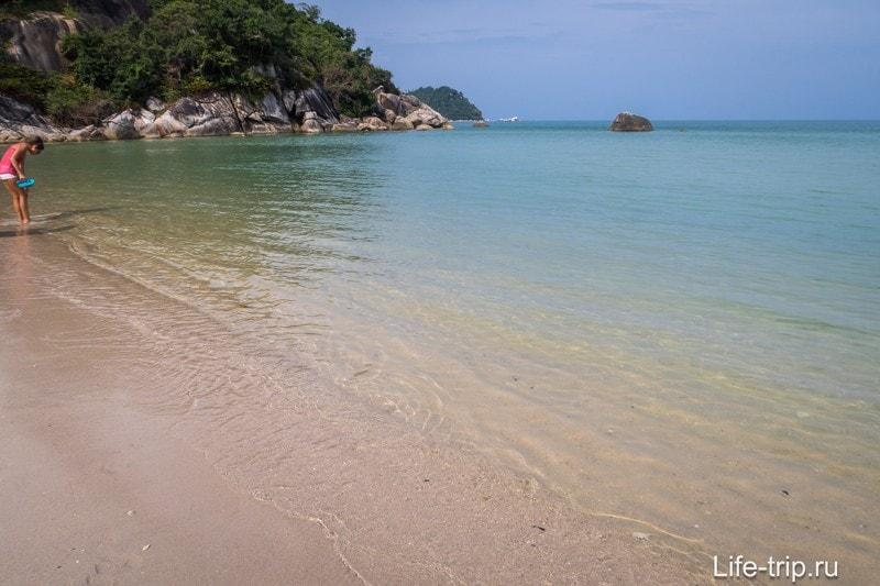 Левый край Тонг Най Пан Яя. За валунами - Тонг Най Пан Ной