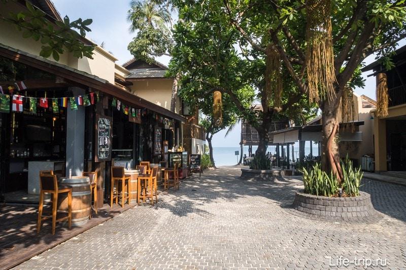 Ао Тонг Най Пан Ной впереди просвечивает. Самый удобный проход к морю в этом месте.