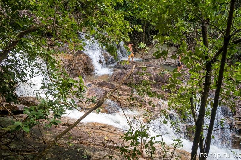 Водопад Парадайз на Пангане  - самый легкодоступный на острове