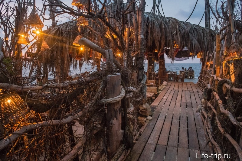 Koh Raham на Пангане - аутентичный ресторан из морского мусора