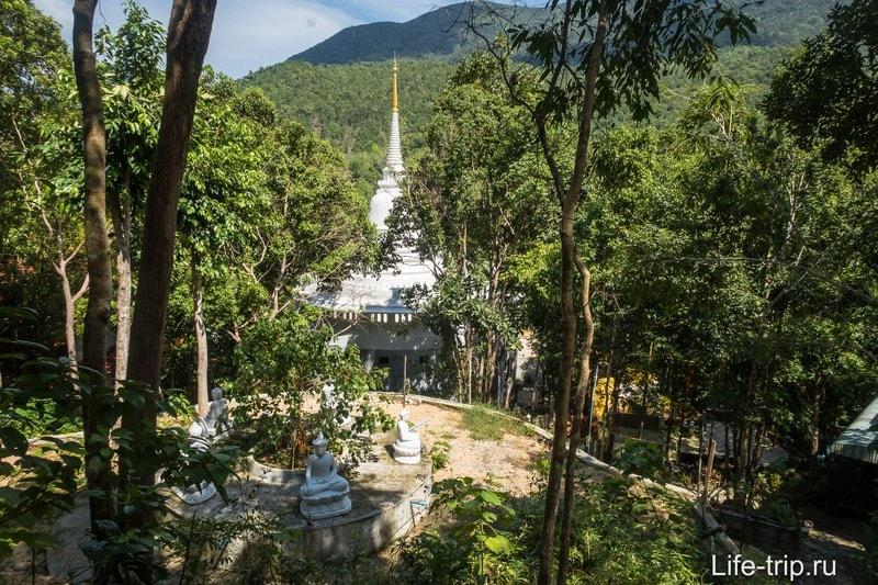 Wat Paa Sang Tham или Saeng Dham Temple