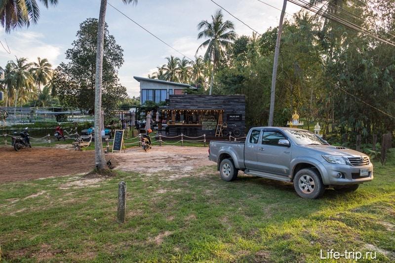 Салатный бар Seed to Feed на Пангане