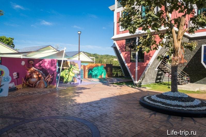 Перевернутый дом на Пхукете - развлечение для детей и селфиманов