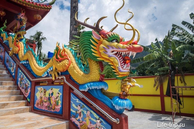 Китайский храм на пляже Ката - маленькая приятная находка