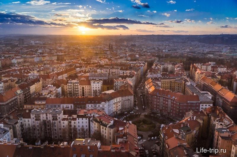 Больше всего мне понравилось смотреть на Прагу сверху