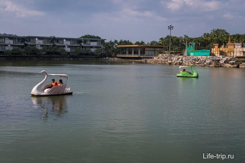 Озеро, по которому можно покататься на катамаране