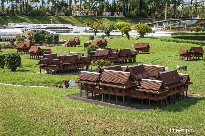 Макеты традиционных тайских домов