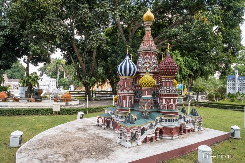 Макет собора Василия Блаженного