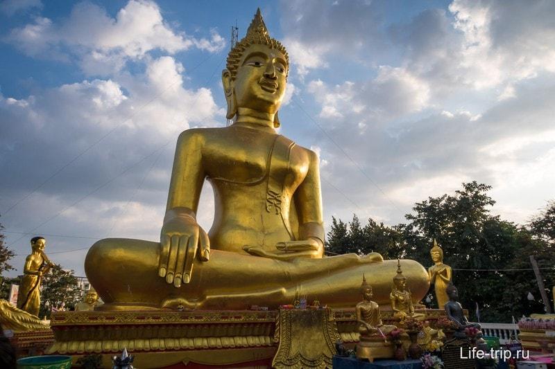 Самая большая фигура Будды