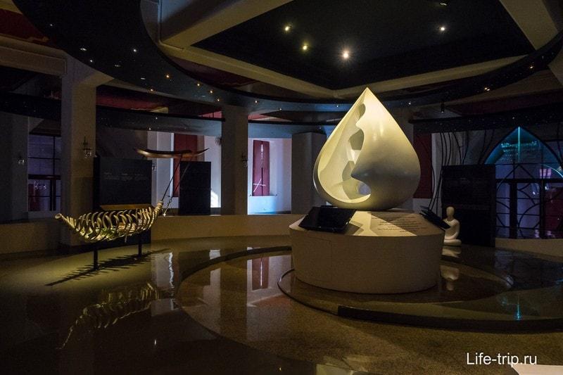 Современные интерьеры с инсталляциями внутри