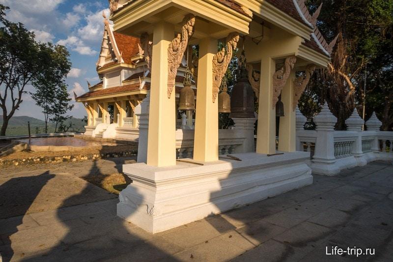 Храм Ват Ян в Паттайе - лучше посмотреть соседний Пхра Мондоп