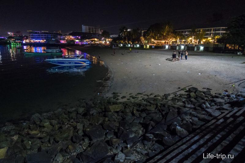 Море у пирса Бали Хай
