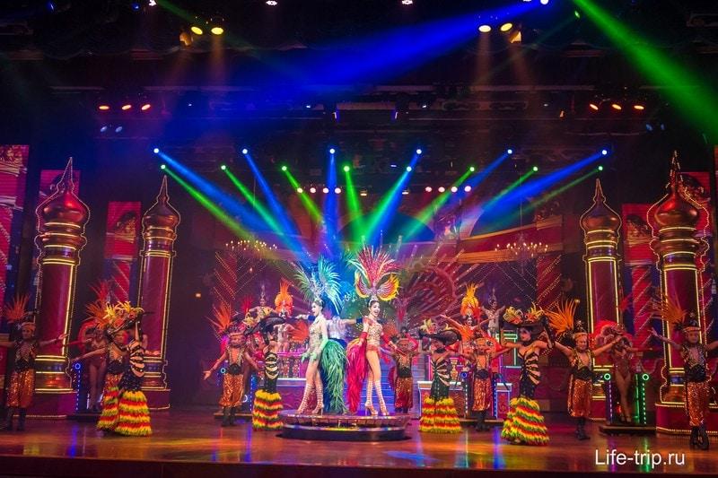 Альказар - шоу трансвеститов в Паттайе