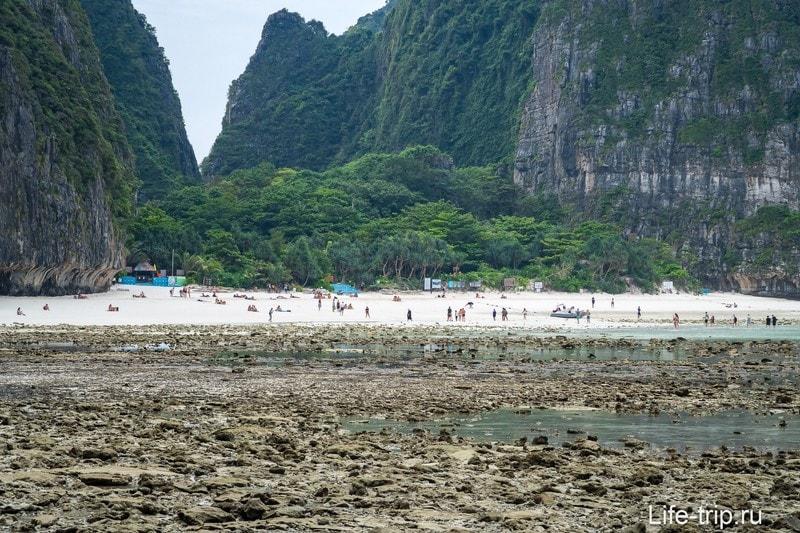 Вид на Майя Бей с этого пляжа