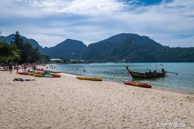 Пляж Ло Далам (Lo Dalum Beach) на острове Пхи-Пхи Дон - самый длинный, но не самый лучший
