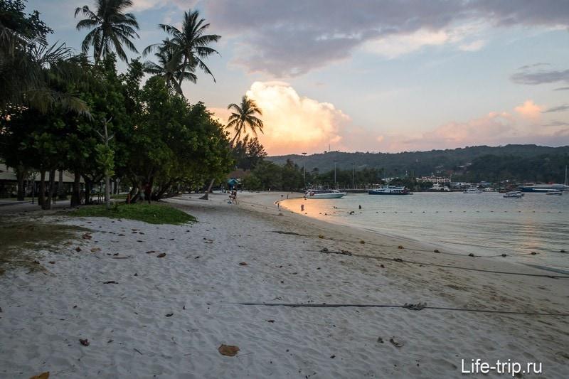 Пляж Тон Сай правая часть