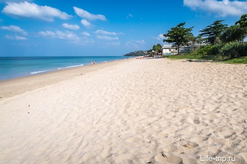 Левая часть пляжа Клонг Нин на Ланте