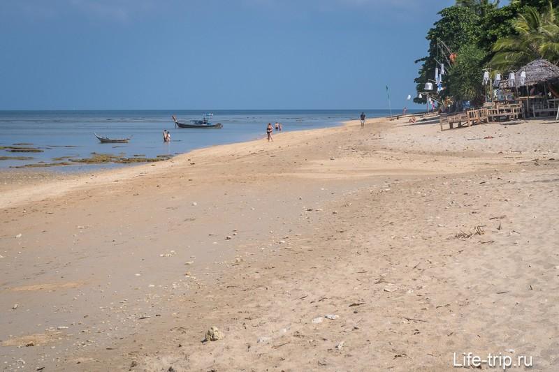 Пляж Клонг Кхонг на Ланте