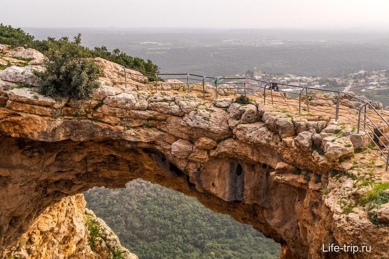 Пещера в Adamit Park