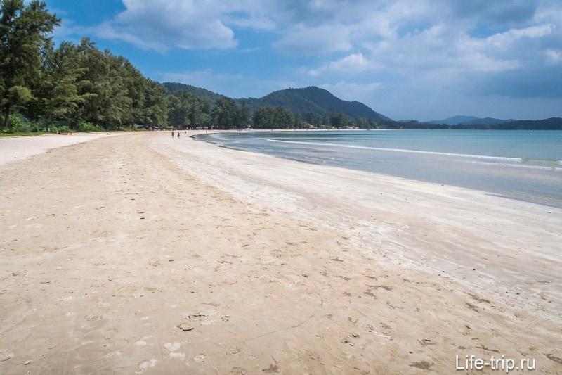 Правая часть пляжа Клонг Дао на Ланте