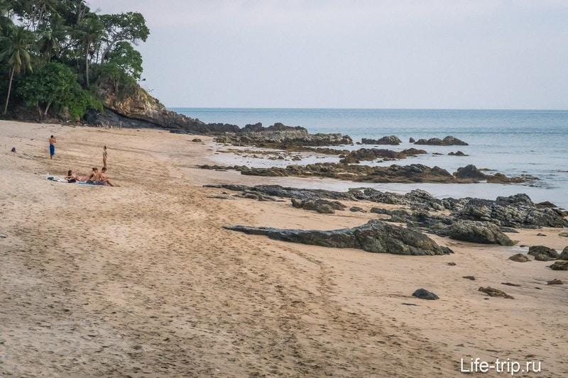 Пляж Нуи на Ко Ланта во время отлива