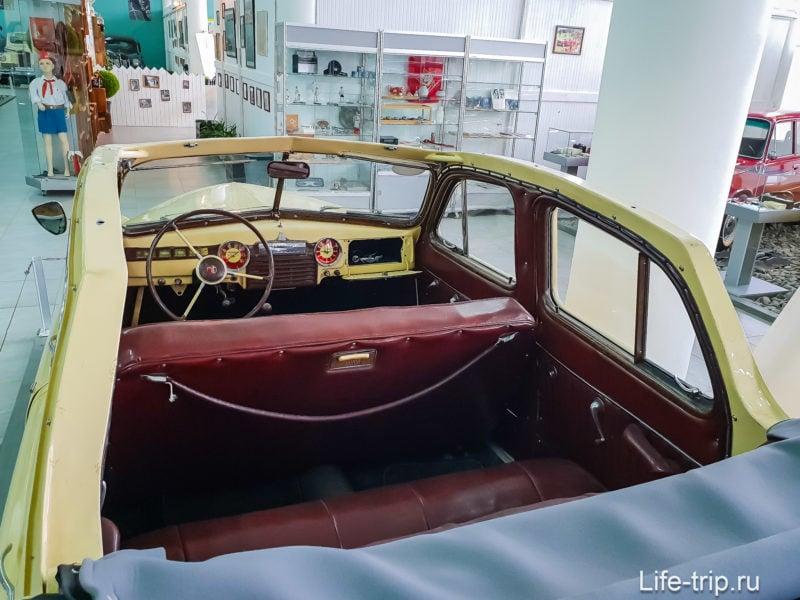 ГАЗ М-20 «Победа» кабриолет. Не хватало железа на полноценную крышу.