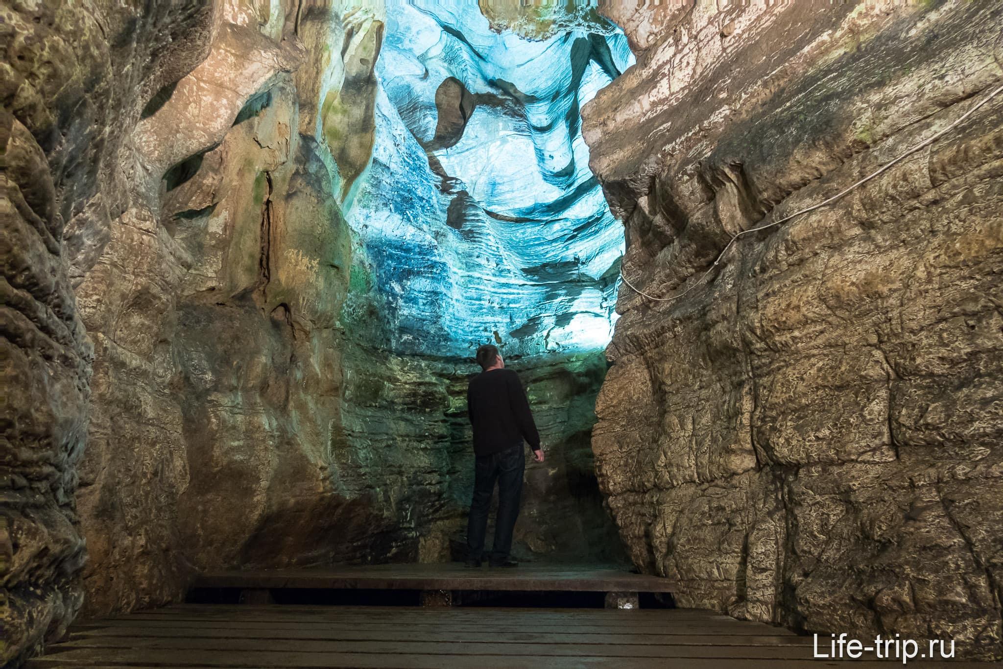 Ахштынская пещера в Сочи