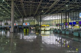 Зал вылета в аэропорту Сочи