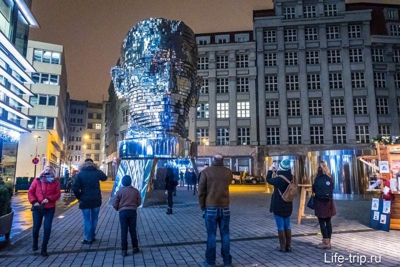 Голова Кафки в Праге