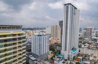 Вид из квартиры на Бангкок